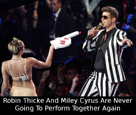 VMAs-2013-Robin-Thicke-Hates-It-That-Miley-Cyrus-Stole-His-Thunder-378381-2