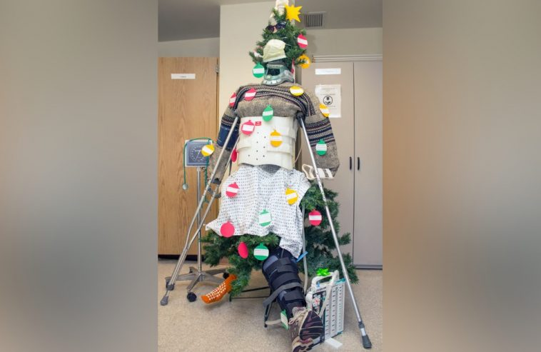 22 Great Hospital Christmas Decorations Made By Creative Medical Staff