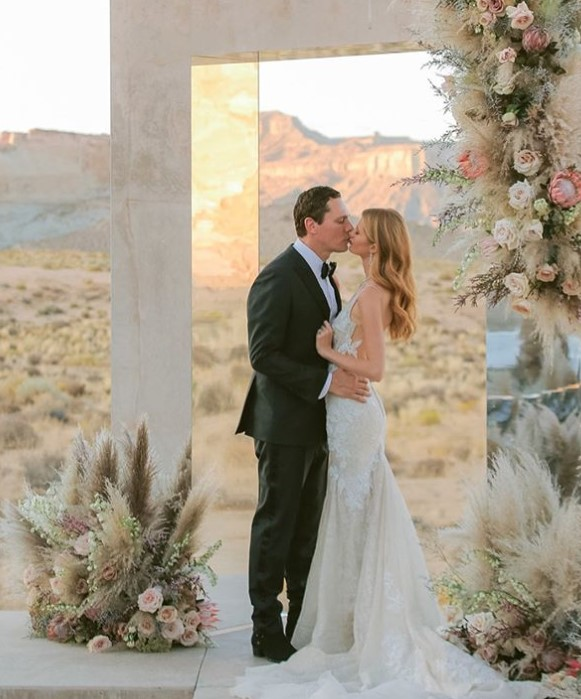Bride And Groom Enjoying Amazing Sunset On A Beautiful: Top 13 Of The Most Beautiful Celebrity Weddings That